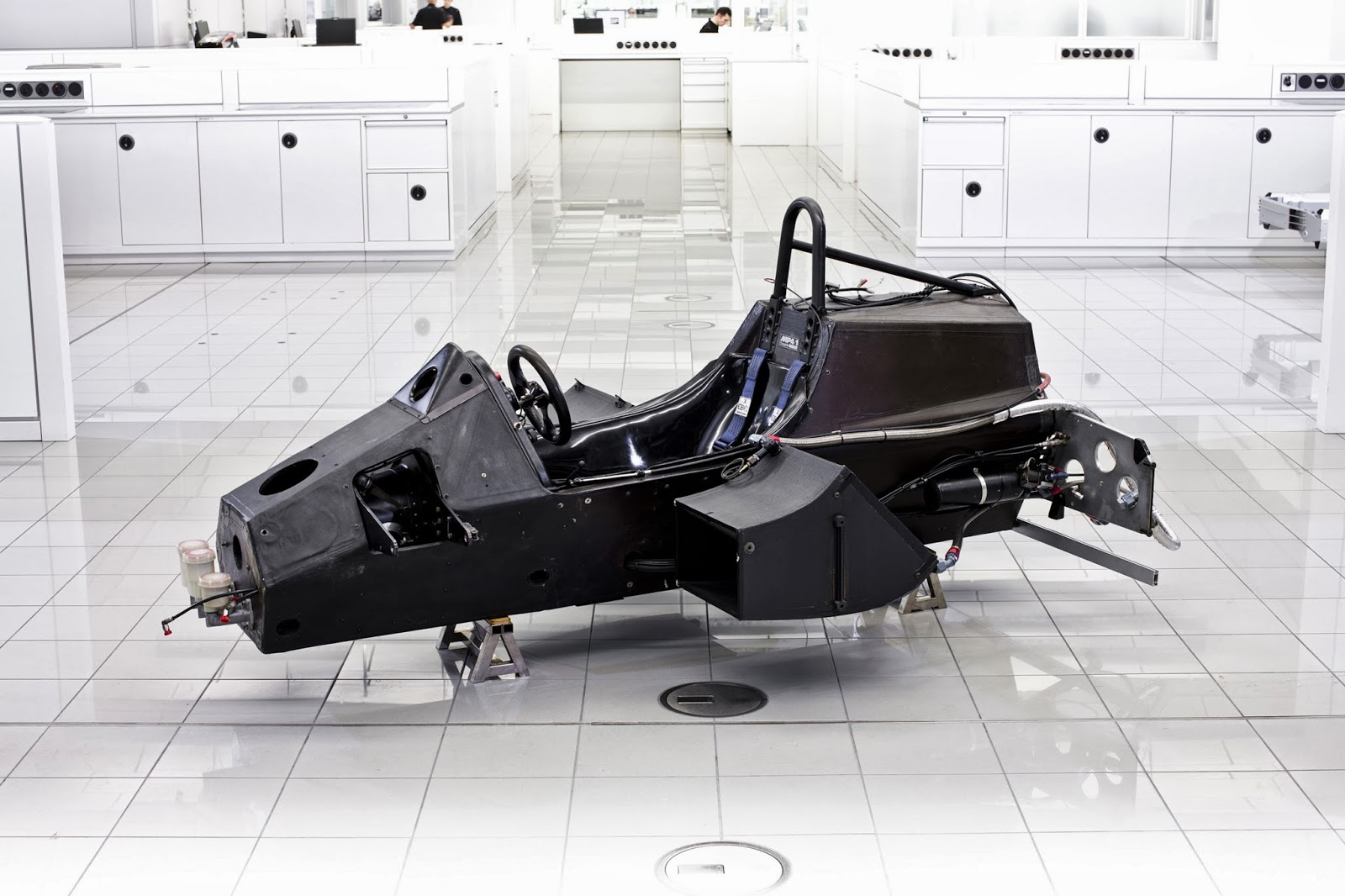 Chassis design of f1 car - Allianz Get Street Smart With Mercedes Amg F1 Lewis Hamilton And Nico Rosberg