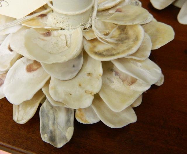 oyster shell candlestick via homeologymodernvintage.com