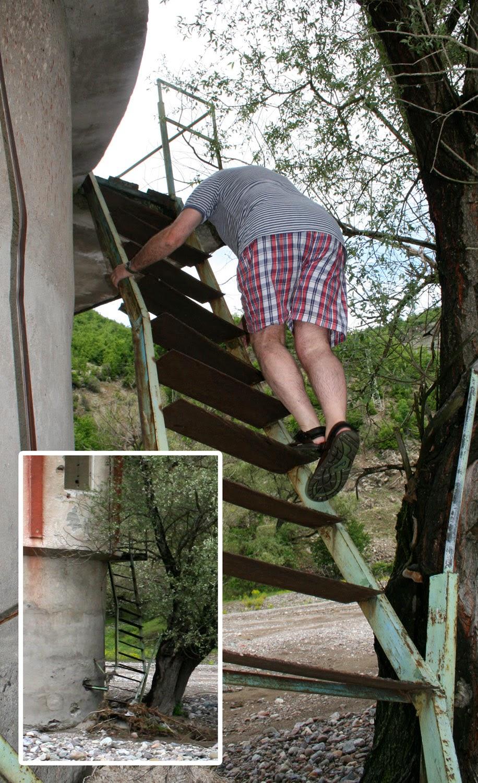 Super rickety stair