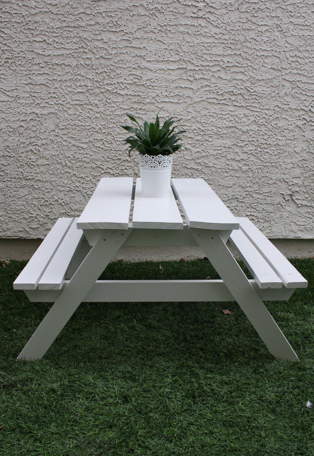 Kiddie Picnic Table