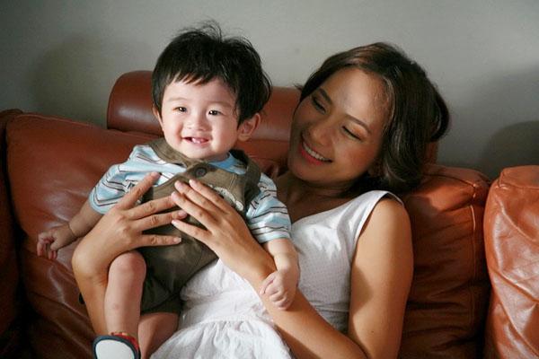 Hình ảnh phim Những Cô Nàng Độc Thân Làm Mẹ