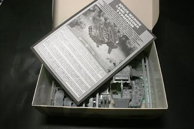 Contenido de la caja del Land Speeder Tifón