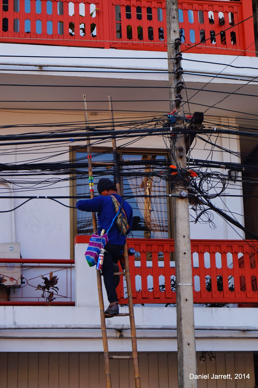 Mae Hong Son Man On Wire