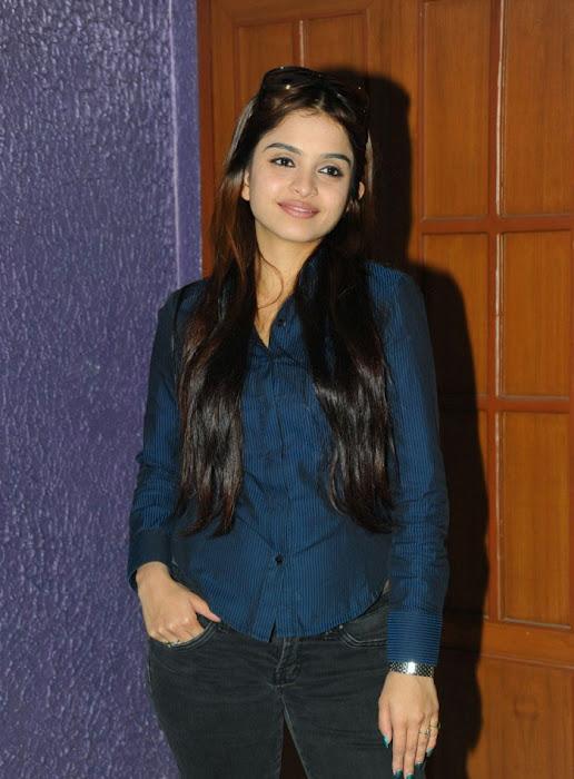 sheena shahabadi new , sheena cute stills