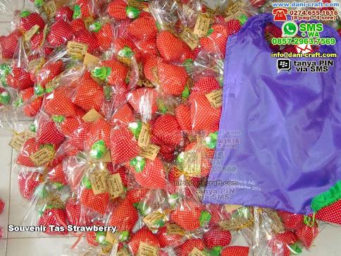 Souvenir Tas Strawberry Kain Jakarta