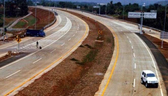 Betonisasi Jalan Depok di Prediksi Selesai 2016