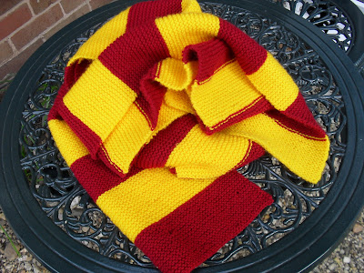 Hand knitted Griffindor scarf.  secondhandsusie.blogspot.com