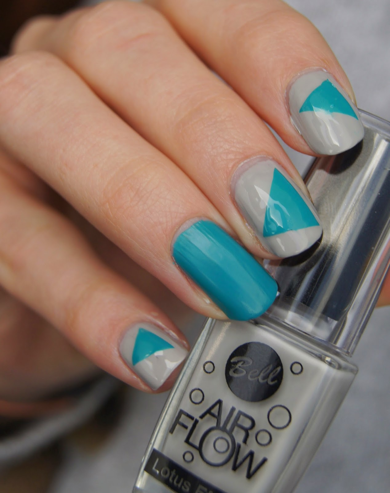nail art triangles