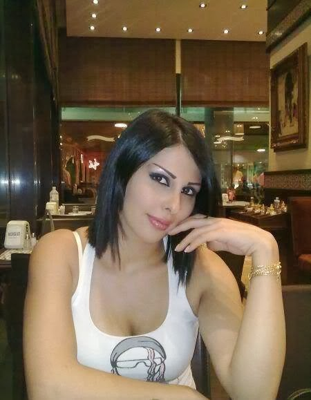 Arab HouseWives In Hotel for Dating