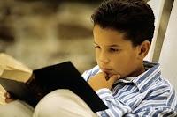 Dahi Çocuk, Kitap Okuyan Çocuk, Okuryazar