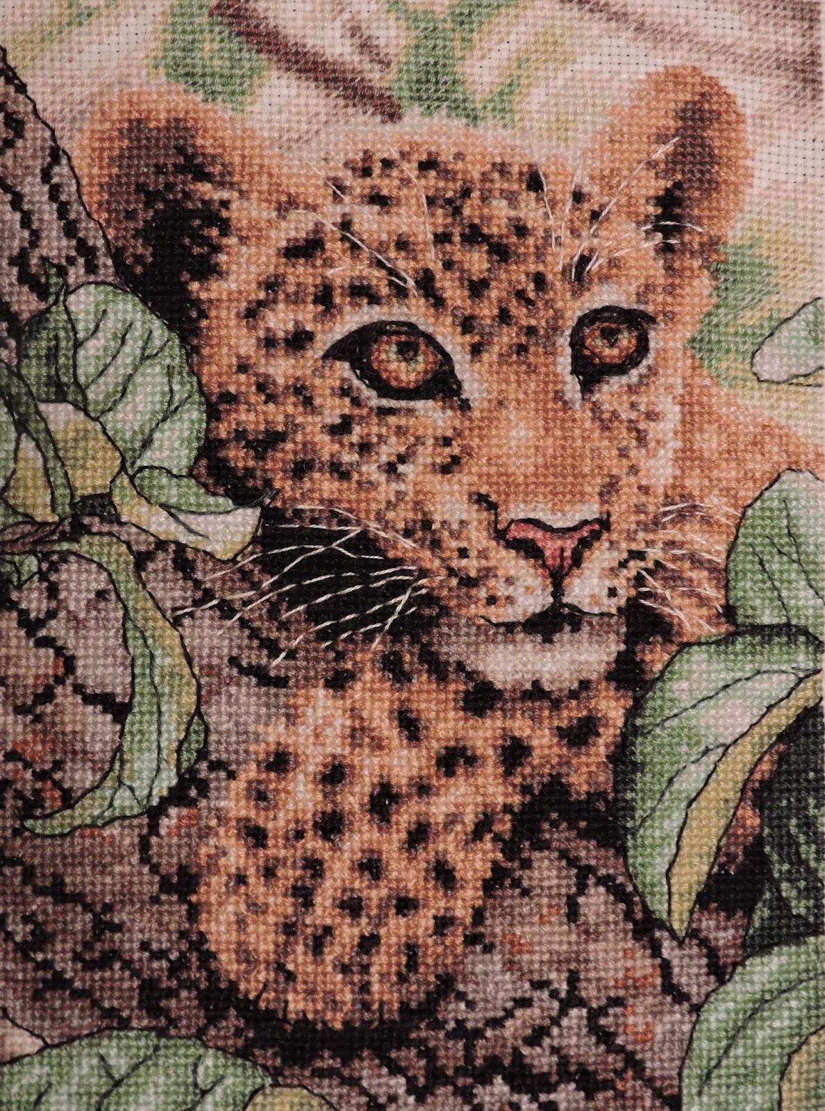 Вышивка леопард на отдыхе 42