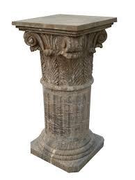 Colonna elemento di sostegno di una determinata struttura, in pietra o in marmo