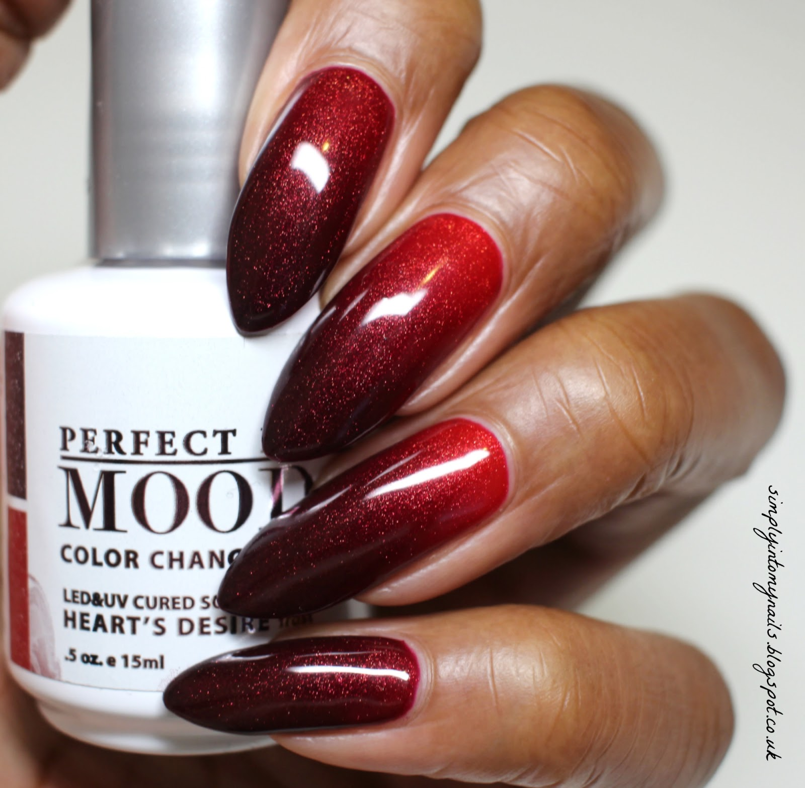 LeChat Mood ~ Heart\'s Desire | Simply Into My NAILS