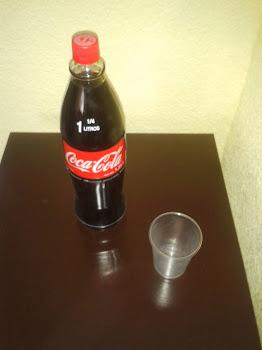 *Una bebida de cualquier tipo y vaso