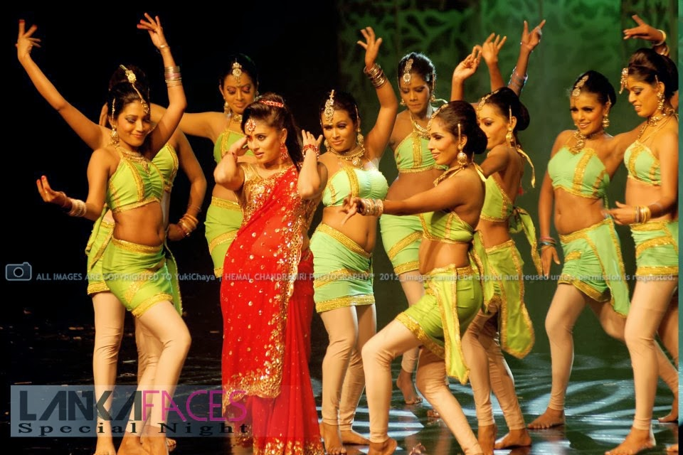 Manjula Kumari red hot