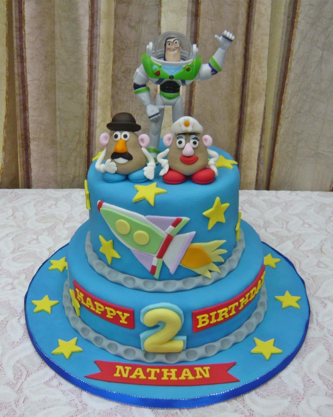 jenn cupcakes  u0026 muffins  buzz lightyear  toy story  theme cake
