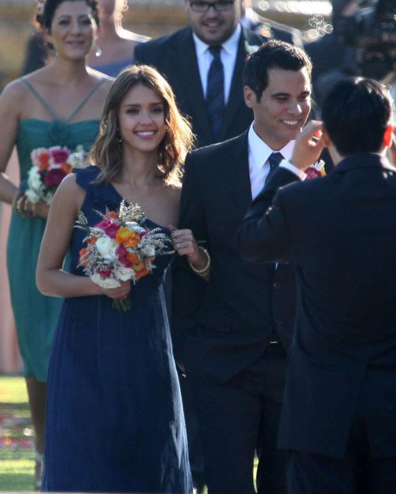 Jessica Alba Wedding: Magic Dress Bridesmaid UK: Celebrity Bridesmaids Walk Down