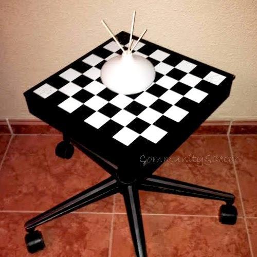 Bricolaje fácil para crear una mesa de ajedrez con ruedas