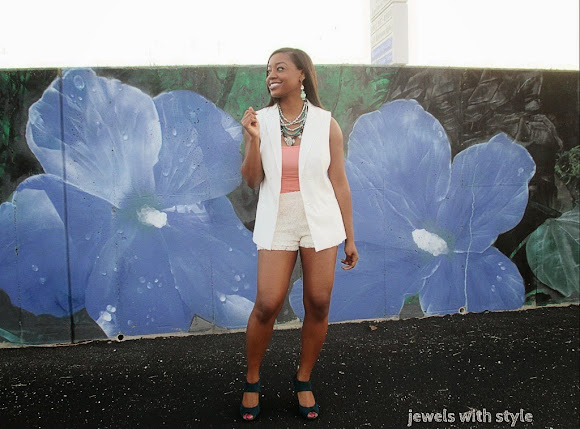 sleeveless blazer outfit, jewels with style, street style, Target sleeveless blazer, summer trends, summer trends 2014, how to wear shorts