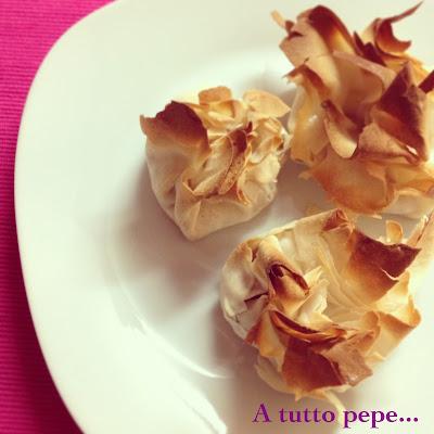 saccottini di pasta fillo (phyllo) con pancetta e provola dolce... colpo di fulmine!