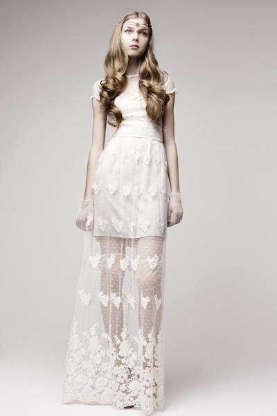 платье из гипюра на чехле