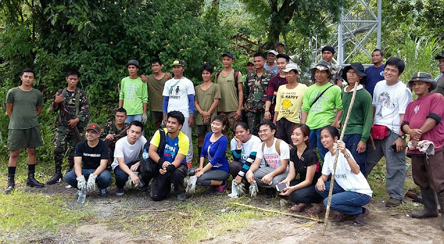 Another group photo with the soldiers and the people of Rizal, Laguna