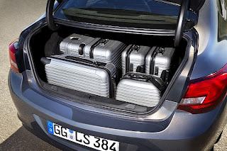 Opel Unveils New Astra Sedan