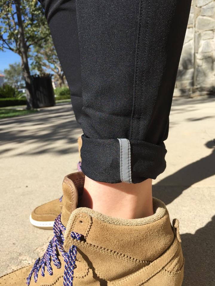 lululemon-everyday pant reflective strip