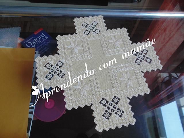 doilie hardanger, agulha tapestry, cânhamo fino, centro de mesa hardanger, hardanger, linha perle, trabalho, bordado, projeto