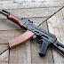Βουλευτής πυροβόλησε με καλάσνικοφ συνάδελφό του μέσα στη Βουλή  (βίντεο)
