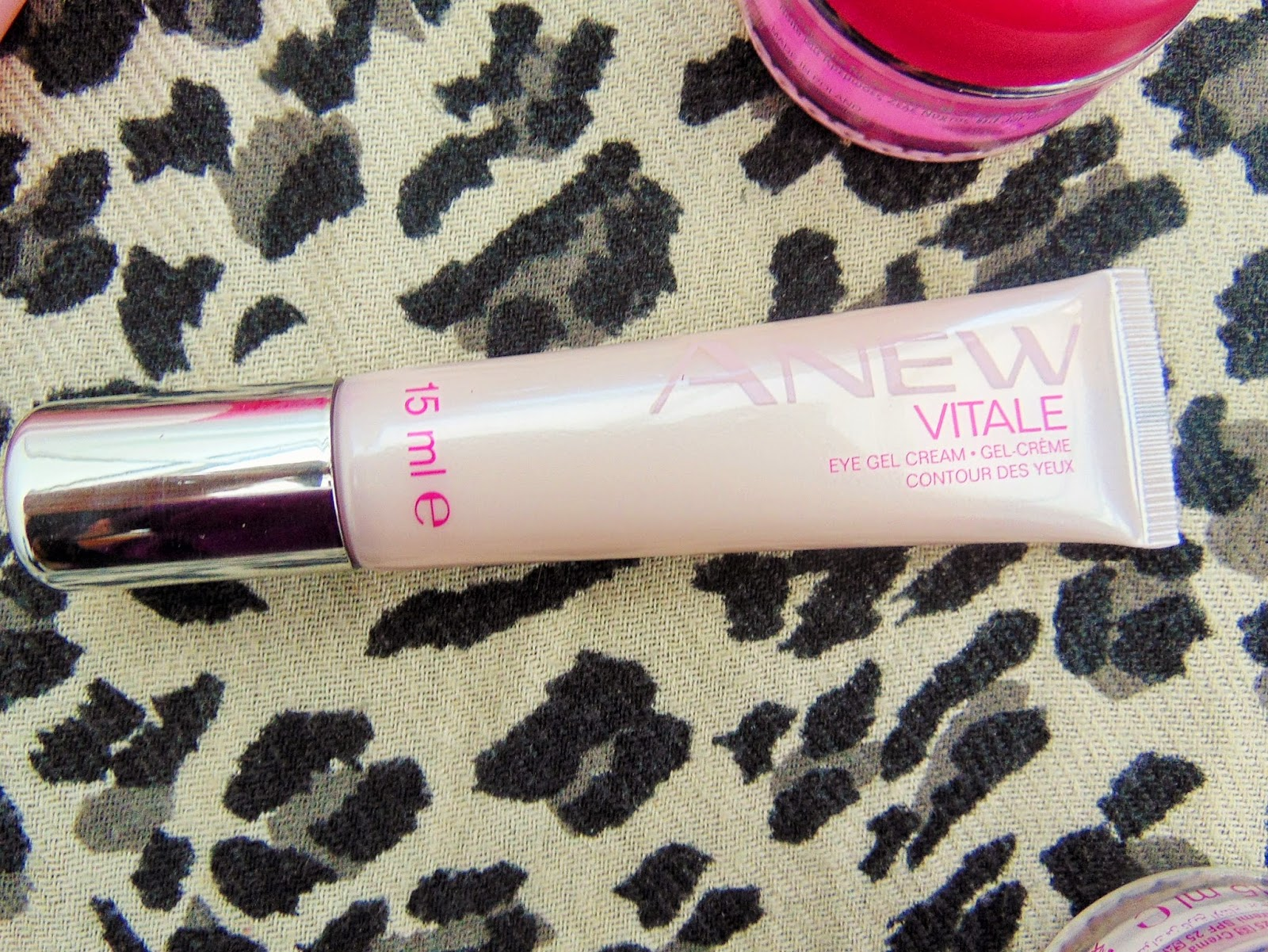 Avon Anew Vitale skincare kit eye gel