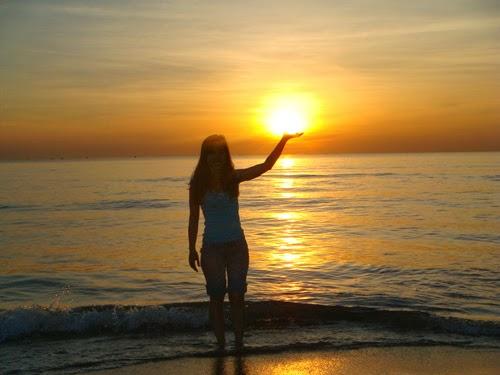 hoàng hôn bãi biển lăng cô huế