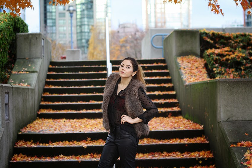 Vancouver, Style, Fashion, Street Style, Fashion Blogger, Outfit, Fall, Autumn, zara, Club Monaco, Shoemint, PonyTail