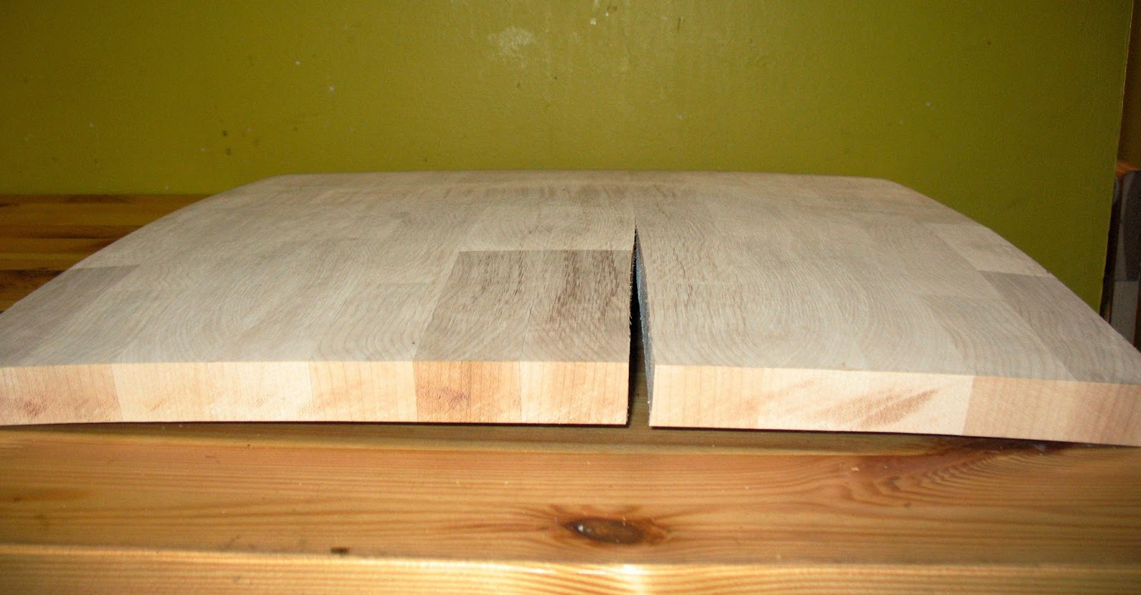 Wood Behaving Badly  Understanding and Dealing with Wood Movement Dans le Lakehouse - Wooden Butcher Block Table