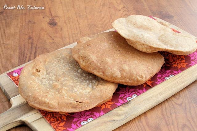 indyjski chlebek puri