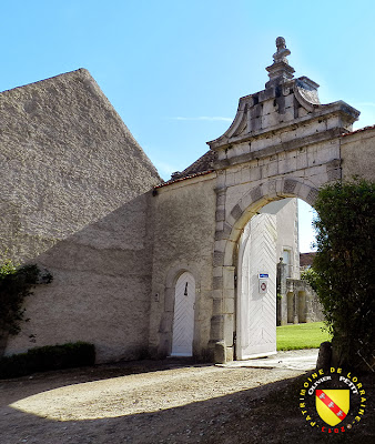 AUTIGNY-LA-TOUR (88) - Le château - Porte renaissance