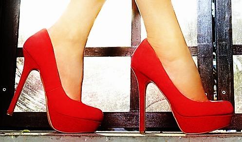 Zapatos tipo tacón alto