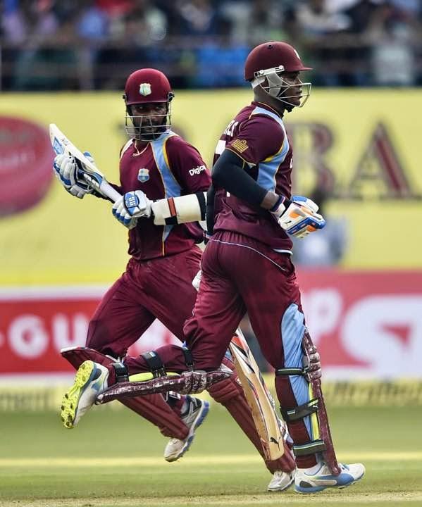 Marlon-Samuels-Denesh-Ramdin-India-vs-West-Indies-1st-ODI-Kochi-2014