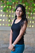 Chandini Chowdary sizzling pics-thumbnail-6