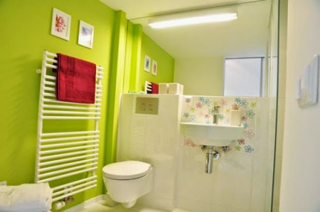2948 1 or 1395570090 ديكورات حمامات ملونة بالصور
