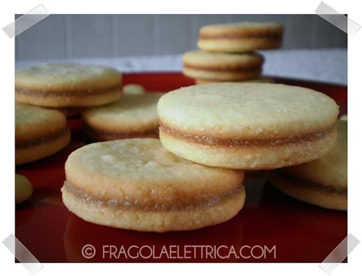 Biscotti con Crema di Mandorle