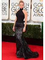 Ума Търман рокля с шлейф Versace Златен глобус 2014