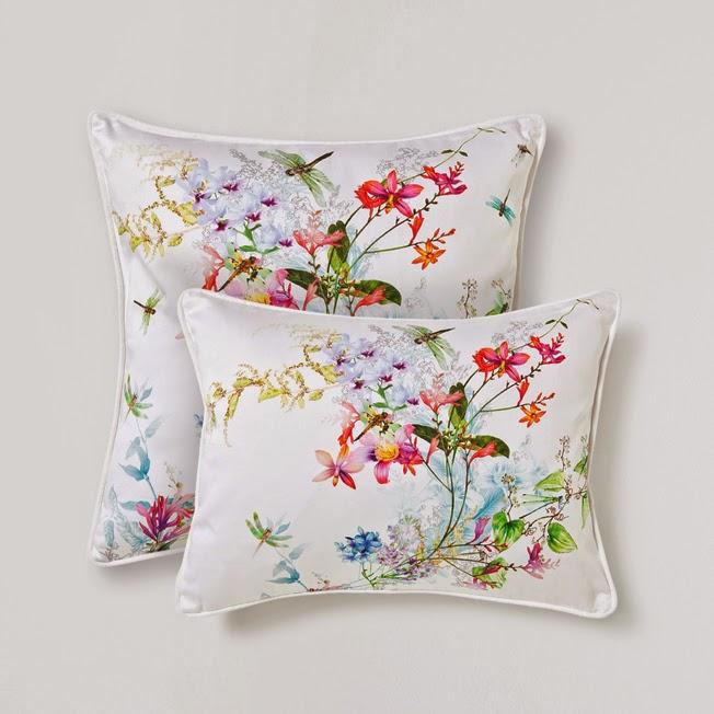 Dacon-Design-wnetrza-zara-home-poduszka-dekoracyjna-w-kwiaty-i-owady