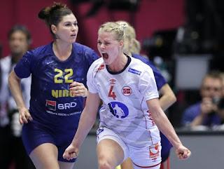 BALONMANO (Mundial femenino 2015) - Rumanía puso en apuros a la campeona de Europa que estará en la final, Noruega