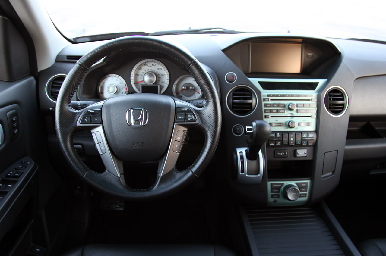HONDA PILOT 4WD TOURING INTERIOR DESIGN