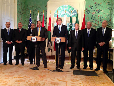 US Secretary of State Kerry with members of Arab League