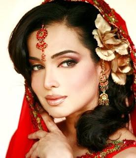 Amna Haq Hot