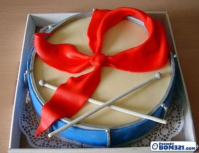Kek Dengan Rupa Bentuk Yang Menarik