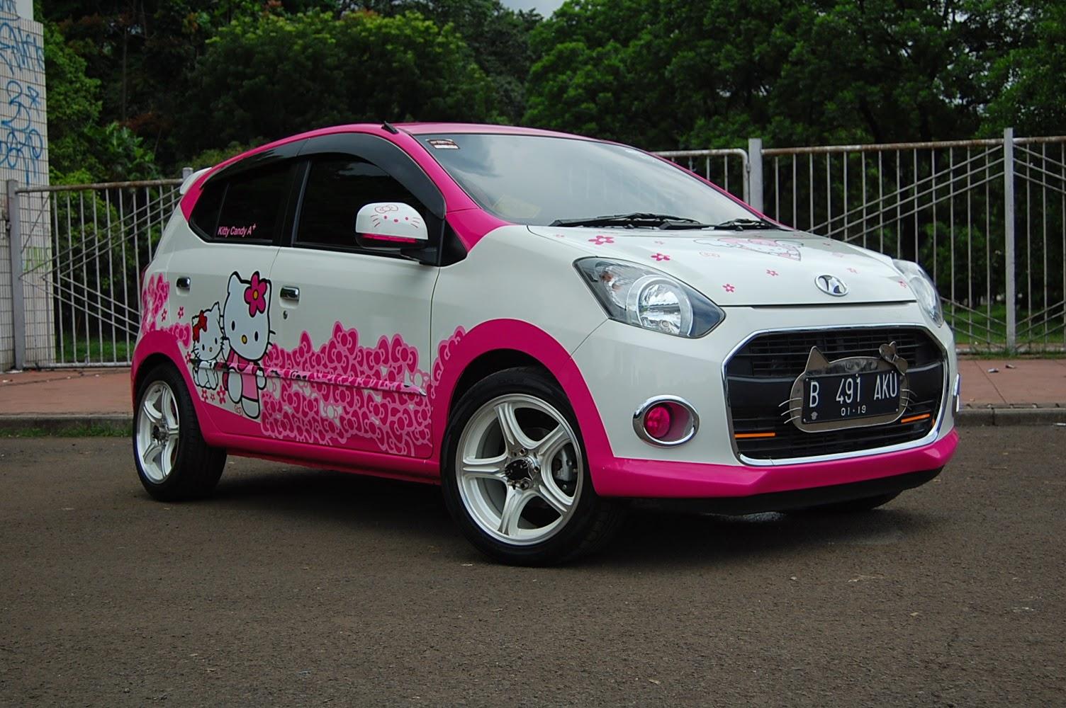 Modifikasi Unik Dan Lucu Mobil Murah Daihatsu Ayla 2013 Hello Kitty
