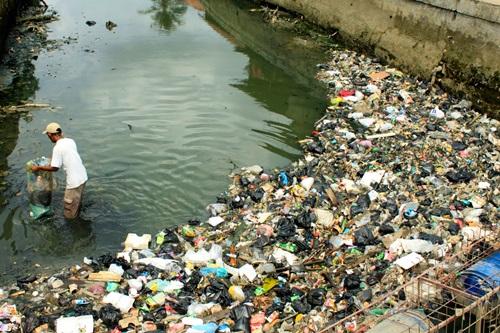kesan buang sampah sarap ke dalam sungai, sebab tidak boleh buang sampah di sungai